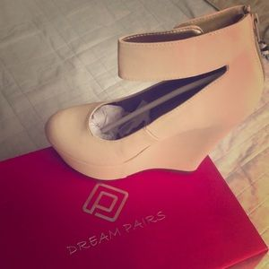 Size 9 nude wedges
